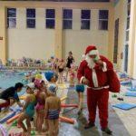 Εναρμονισμένη με το κλίμα των ημερών η εορταστική εκδήλωση του Δημοτικού ΚολυμβητηρίουΠτολεμαΐδας