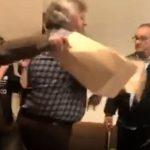 kozan.gr: Ώρα 12:50: Νέα ένταση και σκίσιμο «κάλπης» στις εργασίες του Εκλογοαπολογιστικού Συνεδρίου Εργατικού Κέντρου Κοζάνης – Είμαστε υπό κράτηση φώναζε ο Σ. Μάστορας όταν μέλη του ΠΑΜΕ δεν του επέτρεπαν την έξοδο – Κλήθηκε η αστυνομία – (Bίντεο)