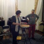 H xορωδία Παραδοσιακής Μουσικής του Δημοτικού Ωδείου Κοζάνης έκοψε πίτα που ετοίμασε η πρώην πρόεδρος του ΟΑΠΝ Φ. Φτάκα (Βίντεο)