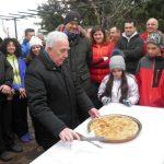 kozan.gr: Την Πρωτοχρονιάτικη πίτα έκοψε το πρωί της Κυριακής 14 Ιανουαρίου ο ΣΕΟ Κοζάνης στο καταφύγιο του Συλλόγου στο Σμάθ'κο