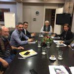 Ανοιχτά θέματα, που απασχολούν τις σχέσεις τοπικής κοινωνίας και ΔΕΗ , τέθηκαν στη συνάντηση που είχαν δήμαρχος Κοζάνης & Περιφερειάρχης με τον Πρόεδρο της ΔΕΗ Μανώλη Παναγιωτάκη