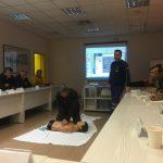Σε συνέχεια της συνεργασίας ΕΚΑΒ και ΔΕΗ η ομάδα εκπαιδευτών διασωστών βρέθηκε στον ΑΗΣ Καρδιάς για την παρουσίαση πρώτων βοηθειών (Φωτογραφίες)