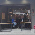 Ομάδα υποστήριξης άκαπνων μαγαζιών Κοζάνης: Σημερινές εικόνες από καφέ της Κοζάνης, με τον κόσμο να καπνίζει έξω