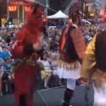 Βίντεο μεγάλης διάρκειας, από το έθιμο των Μωμόερων, όπως παρουσιάστηκε στο 31ο Lonsdale Street Greek Festival στη Μελβούρνη από τον Μορφωτικό Ποντιακό Σύλλογο Αγίου Δημητρίου – Ρυακίου