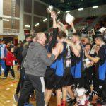 kozan.gr: Φωτογραφίες από την απονομή του κυπέλλου στους Διόσκουρους Κοζάνης στον τελικό του Final-4 του Εφηβικού Πρωταθλήματος Μπάσκετ (Φωτογραφίες & Βίντεο)