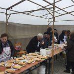kozan.gr: Παραδοσιακή φασολάδα, λαγάνα και νηστίσιμα εδέσματα στον εορτασμό των «Κούλουμων» στη γέφυρα των Σερβίων (Φωτογραφίες & Βίντεο)