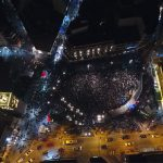 kozan.gr: Κεντρική πλατεία Κοζάνης: Δύο φωτογραφίες, του πάρτι νεολαίας 2018, από ψηλά