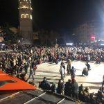 kozan.gr: Κεντρική πλατεία Κοζάνης: Η παρουσίαση του φανού Λάκκος τ΄Μάγγαν, το βράδυ του Σαββάτου 17/2 (Φωτογραφίες & Βίντεο)