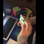 kozan.gr: Ο 10χρονος Μελέτης Ιωαννίδης, μαθητής του δημοτικού σχολείου Κοζάνης »Χαρίσιος Μούκας', λύνει την πυραμίδα του Ρούμπικ σε 8,92 δευτερόλεπτα (Βίντεο)