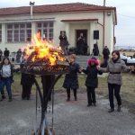 Κοζάνη: Πραγματοποιήθηκε το απόγευμα της Κυριακής 11/2  η γιορτή της τραχανόπιτας – τσιγαρίδας στον αύλειο χώρο τουδημοτικού σχολείου (Φωτογραφίες)