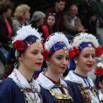 100 γυναίκες της Αιανής, όλων των ηλικιών, θα τραγουδήσουν μέρος των «Λαζαριάτικων» τραγουδιών την Κυριακή 14 Απριλίου 2019 και ώρα 18:00,  στην πλατεία Αριστοτέλους Θεσσαλονίκης