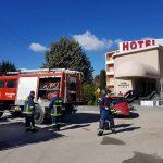 kozan.gr: Η Πυροσβεστική Υπηρεσία Πτολεμαΐδας πραγματοποίησε, το πρωί της Πέμπτης 15/3, άσκηση, με σενάριο, πυρκαγιά, στο ξενοδοχείο Παντελίδης, με εγκλωβισμένο άτομο (Φωτογραφίες)