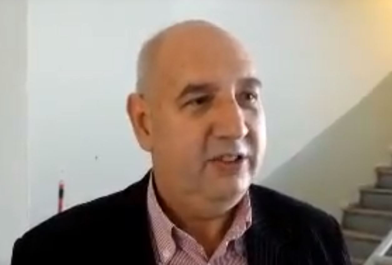 "kozan.gr: Πως σχολιάζει ο πρώην Πρύτανης του ΤΕΙ Δ. Μακεδονίας Σ Γκανάτσιος τις εξελίξεις με το Πανεπιστήμιο Δ. Μακεδονίας: ""Τέτοιου είδους προβλήματα εμφανίστηκαν στο παρελθόν εκατοντάδες φορές και για όλα υπάρχουν λύσεις. Τώρα αν κάποιοι θέλουν να τις εφαρμόσουν καλώς. Υπάρχουν λύσεις και προτάσεις για όλα. Όποιος δεν τις ξέρεις μπορεί να ζητήσει τη βοήθειά μας. Οι διοικήσεις πρέπει να προβούν στις αντίστοιχες κινήσεις"" (Bίντεο)"