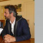 kozan.gr: Ο Λ. Γιοβανίδης στη συνέντευξη τύπου είπε ότι δεν θα είναι εκ νέου υποψήφιος για τη θέση του Καλλιτεχνικού Διευθυντή, εν αντιθέσει, με το Δ.Σ. του ΔΗΠΕΘΕ, όπου, βάση των πρακτικών, είπε, ότι θα είναι ξανά υποψήφιος
