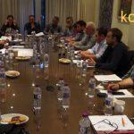 kozan.gr: Προβληματισμός στη συνεδρίαση του ΕΒΕ Κοζάνης για το Σχέδιο Βιώσιμης Αστικής Κινητικότητας (ΣΒΑΚ) του δήμου Κοζάνης – Πολλές ενστάσεις κυρίως για τις θέσεις στάθμευσης που θα χαθούν από την υλοποίησή του (Βίντεο – Αποκλειστικά πλάνα)