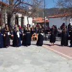 kozan.gr: Αναβίωσε σήμερα Δευτέρα 9/4, στο Σισάνι Βοΐου, το έθιμο του χορού της Ρόκας και του διπλού χορού (Βίντεο)