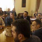 "kozan.gr: Μικρο ένταση μεταξύ του περιφερειακού συμβούλου Ν. Χατσίδη με το δήμαρχο Κοζάνης και τον Αντιδήμαρχο Οικονομικών – ""Είστε ο πρώτος πολίτης του δήμου και λέτε τέτοιες κουβέντες; Μας αξίζει ο δήμαρχος που έχουμε!"" (Βίντεο)"