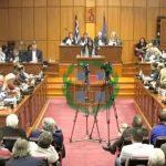 kozan.gr: Τα πολλά «πώς» της Γ. Ζεμπιλιάδου στο Περιφερειακό Συμβούλιο, απευθυνόμενη προσωπικά στον Περιφερειάρχη – Ζήτησε την παραίτηση του Περιφερειάρχη ως μια πράξη πίεσης για την απόσυρση του νομοσχεδίου για την πώληση μονάδων της ΔΕΗ (Βίντεο)