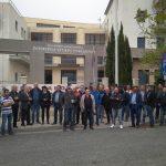 kozan.gr: Υπό συμβολική κατάληψη, τέθηκε, για περίπου δύο ώρες, το πρωί της Δευτέρας, το κτήριο της Περιφέρειας Δυτικής Μακεδονίας στην ΖΕΠ από το Σωματείο Σπάρτακος (Φωτογραφίες)