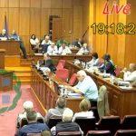 kozan.gr: Ένταση στο περιφερειακό συμβούλιο, όταν ο Αντιπεριφερειάρχης Οικονομικών Η. Κάτανας έπλεξε το εγκώμιο του Περιφερειάρχη και το έργο της Περιφερειακής Αρχής: «20 εκ. ευρώ για του ρύπους. Την Δευτέρα θα τα ακούσετε από το στόμα του κ. Καρυπίδη και του κ. Φάμελλου – Σας παραδίδω στους πολίτες»  – Η απάντηση του Γ. Δακή: «Τσουτσούριασα» (Βίντεο)