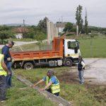 Στο Δρέπανο πολυμελές συνεργείο της  Αντιδημαρχίας Περιβάλλοντος υλοποιώντας το σχέδιο ολοκληρωμένων παρεμβάσεων για θέματα καθαριότητας στην πόλη της Κοζάνης και στο σύνολο των Τοπικών Κοινοτήτων (Φωτογραφίες & Βίντεο)