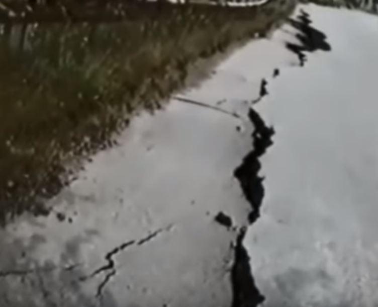 Σπάνιο οπτικοακουστικό υλικό από το σεισμό της 13ης Μαΐου του 1995 – Βίντεο, με εικόνες από το Ρύμνιο Kοζάνης, λίγα λεπτά μετά το σεισμό