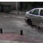 kozan.gr: Χωρίς ρεύμα μεγάλο τμήμα της Κοζάνης, μετά από πτώση κεραυνού – Σφοδρή καταιγίδα, μικρής διάρκειας, γέμισε με νερό τους δρόμους (Βίντεο)