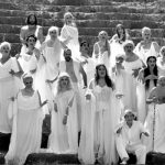 Oι Εκκλησιάζουσες, στο Υπαίθριο Δημοτικό Θέατρο Κοζάνης, το Σάββατο 18 Αυγούστου