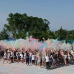 kozan.gr: Ξεκίνησε και θα συνεχιστεί μέχρι το βράδυ το Color Fest στην Κοζάνη, στην περιοχή Νιάημερος – Η 1η ρίψη έγινε λίγο μετά τις 17:30 (Bίντεο & Φωτογραφίες)