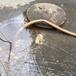 kozan.gr: Ώρα 09:30 π.μ.: Φωτογραφία και βίντεο από την έκτακτη βλάβη του κεντρικού δικτύου ύδρευσης επί της οδού Φον Καραγιάννη στην Κοζάνη