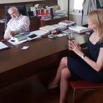 kozan.gr: Από τις 10 Μαΐου η βουλευτής Θεοδώρα Τζάκρη είχε αναφορά σε δελτίο τύπου ότι θα ιδρυόταν Παράρτημα του Ανοικτού Πανεπιστημίου στην Έδεσσα, στο οποίο θα φοιτούν φοιτητές κι από την Δυτική Μακεδονία, προμηνύοντας, εμμέσως, τη μεταφορά της έδρας του Παραρτήματος του ΕΑΠ από την Κοζάνη
