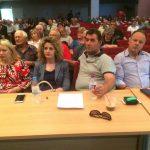 kozan.gr: Νεάπολη Βοΐου:  Ξεκίνησε η έκτακτη συνεδρίαση του του δημοτικού συμβουλίου Βοΐου, το Σάββατο 2 Ιουνίου, με θέματα την ενδεχόμενη λειτουργία δομής φιλοξενίας προσφύγων στο Στρατόπεδο ΠΟΡΤΗ ΜΙΛΤΙΑΔΗ,  αλλά και τη διοργάνωση συλλαλητηρίου, στο Βόιο, για το θέμα της Μακεδονίας (Βίντεο & Φωτογραφίες)