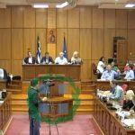 kozan.gr: Και δεύτερος κύκλος έντονης αντιπαράθεσης μεταξύ Ζεμπιλιάδου – Κάτανα για την επίμαχη αναφορά του Αντ. Οικονομικών ότι: «Πήγαμε στις Πρέσπες. Όπως μας εξουσιοδότησε το ίδιο το περιφερειακό συμβούλιο να παραδώσουμε το ψήφισμα την ημέρα της εκδήλωσης» – Το «καρφί» του Φ. Κεχαγιά προς τον Η. Κάτανα για την αναφορά του ότι: «ήταν εύκολη λύση λοιπόν θα ήταν να πάμε και εμείς στο βουνό» (Bίντεο)