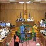 kozan.gr: Αντιδράσεις από την αντιπολίτευση (Ζεμπιλιάδου – Μαργαρίτη) για την αναφορά του Αντιπεριφερειάρχη Οικονομικών ότι μετέβη, μαζί με τον Περιφερειάρχη, στις Πρέσπες με εξουσιοδότηση του ίδιου του περιφερειακού συμβουλίου για να παραδώσει το ψήφισμα την ημέρα της εκδήλωσης και την ώρα που θα τους το επέτρεπαν οι διοργανωτές – Για θεσμική απρέπεια έκανε λόγο η Γ. Ζεμπιλιάδου – Τι απάντησε, φωνάζοντας, ο Αντιπεριφερειάρχης Οικονομικών (Βίντεο)