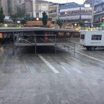 Έτοιμη η εξέδρα, στην κεντρική πλατεία Κοζάνης, για την αυριανή συναυλία, του Πάνου Κατσιμίχα και του Βασίλη Καζούλη (Φωτογραφίες)