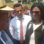 kozan.gr: Το ψήφισμα του περιφερειακού συμβουλίου Δ. Μακεδονίας, στο οποίο εκφράζεται η διαφωνία στη συμφωνία που υπεγράφη για το όνομα των Σκοπίων, παρέδωσε στον Υπουργό Εξωτερικών Ν. Κοτζιά ο Περιφερειάρχης Δ. Μακεδονίας – Ο διάλογος μαζί του – Tα σχόλια του Κοτζιά για τα επεισόδια και για τον αριθμό των πολιτών που διαμαρτυρήθηκαν (Βίντεο)