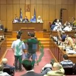 kozan.gr: Με έντονη αντιπαράθεση μεταξύ Κεχαγιά – Κιοσέ, ξεκίνησε η συνεδρίαση του περιφερειακού συμβουλίου (Βίντεο)