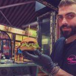 ΣΟΥΙΤΑ «Gourmet Coffee & Speciality Drinks»: «Burger me*****my Darling». Σήμερα και κάθε Τρίτη 150 Burger στη ΣΟΥΙΤΑ στις 21:00