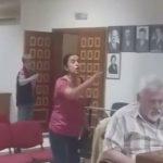 kozan.gr: Αντιδρούν οι εθελοντές του Κυνοκομείου Πτολεμαΐδας στα σχέδια της δημοτικής αρχής για δημιουργία σύγχρονου καταυλισμού Ρομά δίπλα στο κυνοκομείο – Ένταση στο δημοτικό συμβούλιο Εορδαίας (Βίντεο)