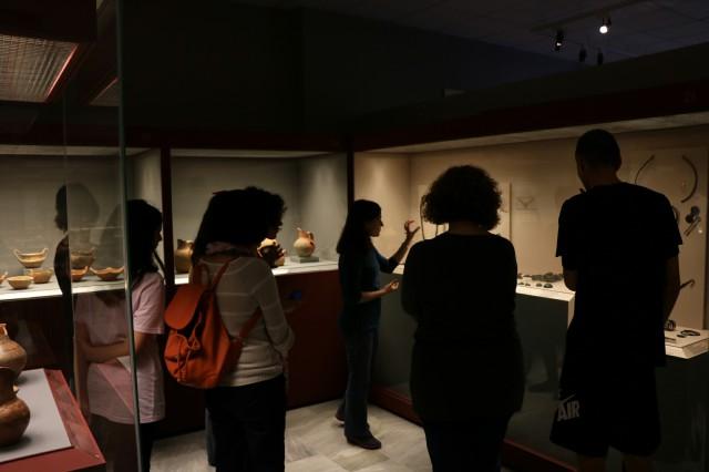Ολοκληρώθηκαν οι εργασίες του θερινού εικαστικού εργαστηρίου «Με αφορμή το παρελθόν- Σύγχρονα έργα σε ιστορικούς τόπους» που διοργανώθηκε  στο Αρχαιολογικό Μουσείο Αιανής (Φωτογραφίες)