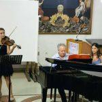 Συνεχίζεται, απόψε Πέμπτη 23 Αυγούστου, με τη δεύτερη θεματική βραδιά – αφιέρωμα στον Claude Debussy το Φεστιβάλ Κλασικής Μουσικής Κοζάνης  στο Λαογραφικό Μουσείο στις 20:30