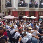 """Σιάτιστα: Μετά την παρέλαση, των καβαλάρηδων, χόρεψαν, όλοι μαζί, το """"Μακεδονία Ξακουστή"""" (Βίντεο)"""