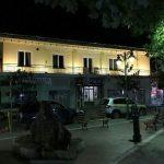 Η μητέρα του Μ. Τεντόγλου στο ΑΠΕ-ΜΠΕ – Φωταγωγήθηκε το δημαρχιακό Μέγαρο της γενέτειράς του στα Γρεβενά