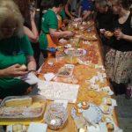 kozan.gr: Γεύτηκαν μαρμελάδα κι άλλα εδέσματα με βάση το ροδάκινο την 2η μέρα της γιορτής Ροδακίνου, το βράδυ του Σαββάτου 4/8, στο Βελβεντό (Βίντεο & Φωτογραφίες)