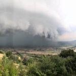 Καταπληκτική φωτογραφική λήψη από τις πλαγιές του Σινιάτσικου κάπου πάνω από την Άρδασσα