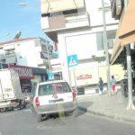 kozan.gr: Επιστολή αναγνώστριας: Κοζάνη: Ένα καθημερινό φαινόμενο στον κόμβο του Κρόκου (Φωτογραφίες)