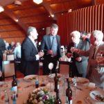 kozan.gr: Τα «εις υγείαν», τσουγκρίσματα, του Προέδρου της Δημοκρατίας με όλους τους παρευρισκόμενους στη δεξίωση, προς τιμήν του, σε οικογενειακό κέντρο στα Πετρανά Κοζάνης (Φωτογραφίες)