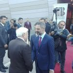 kozan.gr: Ώρα 11:15 π.μ.: Έφτασε στο νέο κτήριο της δημοτικής βιβλιοθήκης Κοζάνης, το οποίο και θα εγκαινιάσει, ο Πρόεδρος της Δημοκρατίας Προκόπης Παυλόπουλος (Φωτογραφίες & Βίντεο)