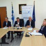 """Πολυμελής διπλωματική αποστολή από 27 χώρες  στην Περιφέρεια Δυτικής Μακεδονίας στο πλαίσιο του Προγράμματος """"Synergassia"""" – Τι ειπώθηκε στη σημερινή συνέντευξη τύπου (Βίντεο)"""