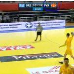kozan.gr: Μετά τη γενική κατακραυγή, η ΕΡΤ3 άλλαξε το MKD σε FYR, στον αγώνα χειροσφαίρισης της Ελλάδας με την ΠΓΔΜ, που διεξάγεται στο Κλειστό της Λευκόβρυσης (Φωτογραφία)